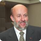 Andrzej Brzozowski Specjalizuje się w pracy szkoleniowej i dydaktycznej z dziedziny PR, Społecznej Odpowiedzialności Biznesu komunikowania kryzysowego, ... - andrzej_brzozowski